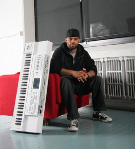 THE ROOTS' KAMAL GRAY PROUDLY USES THE  KORG M3 WORKSTATION AND OTHER KORG PRODUCTS