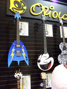 Oriolo Guitars' new Felix the Cat line is the cat's meow
